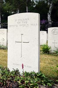 Mierlo War Cemetery graves